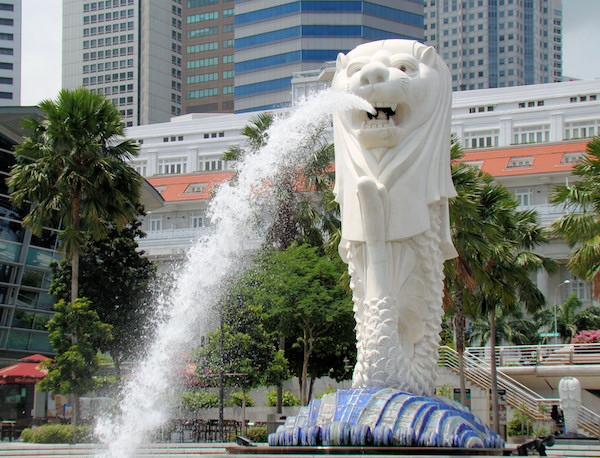 Singapore (SIN) holidays and business safe from danger with Merlion protection